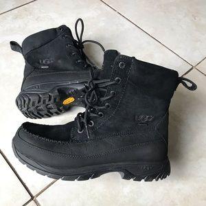 UGG Men's Archibald Boots Black size 7 EU 39.5